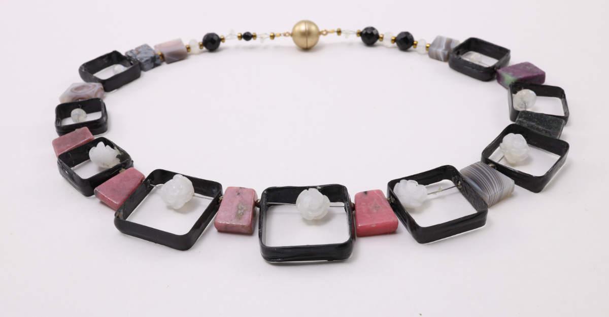Carbon Collier mit echten Steinen